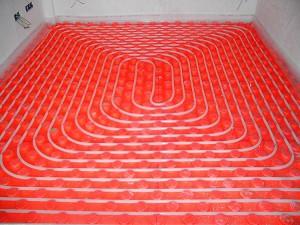 Instalación de suelo radiante en dormitorio.