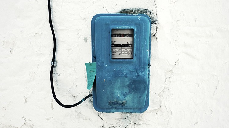 Caja eléctrica de entrada a una vivienda.