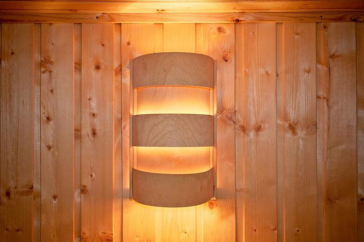 Aplique de luz en armario.
